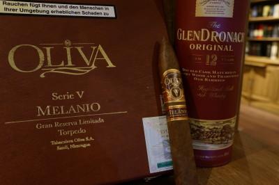 Glendronach 12 y & Oliva Serie V Melanio